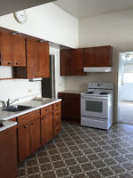 Female Roommate wanted! All inclusive with Cable/Wifi