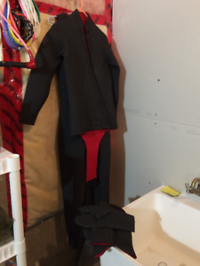 Cold Water Full Wet Suit - Men's Medium  (Scuba Diver Grade)