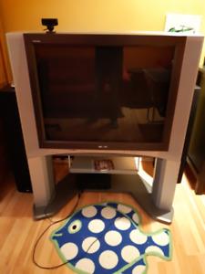 TV Sony Trinitron a tube 36 pouces a donner