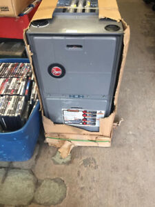 Rheem gas furnace model RGRA-04EMAES new in box good for cottage