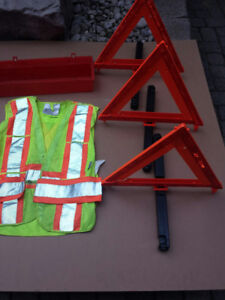 Emergency Road Reflectors & Safety Vest