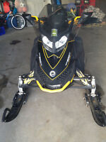 2009 GSX BOMBARDIER SNOWMOBILE *MINT CONDITION*