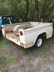 IH International pickup fleetside box