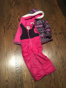 Like New!  3T  OSHKOSH  Girls Snowsuit