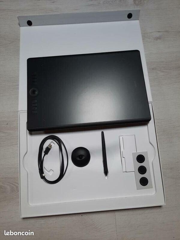 Wacom intuos pro large tablette graphique, etat neuf, avec tous ses accessoires