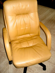 Hi-Back Chair LEATHER EXECUTIVE Size, Adjustable—MADE IN CANADA