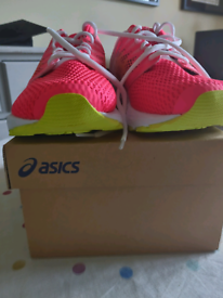 ASICS flytefoam women's running trainers size 7.5