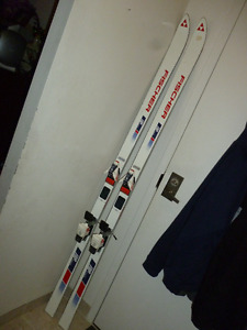 Older Style Fischer FRP Strada Skis from Sporting Life
