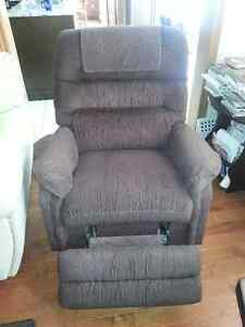 Chair recliner London Ontario image 1