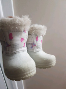 Winter boots toddler girls size 4