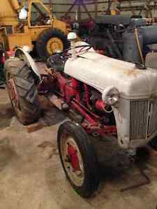 Ford Ferguson 2N Tractor - Great Compact Tractor Windsor Region Ontario image 7