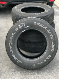 16.5 IN GOOD YEAR WRANGLER SR-A  SUMMER TIRES