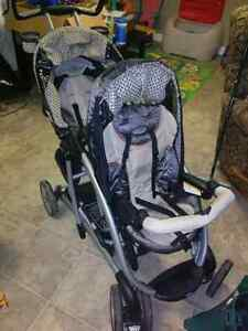 Quattro Tour® Duo Classic Connect™ Stroller   Kitchener / Waterloo Kitchener Area image 2