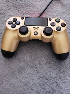 DualSock 4 wireless controller for Sony PS4. Golden color