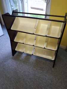 Baby / Todler Toy Shelve