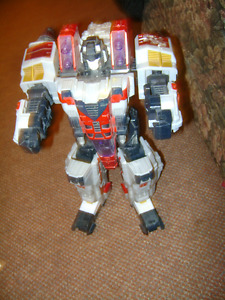 LARGE OLD TOY TRANSFORMER