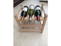 Classic wooden bottle rack for 9 bottles