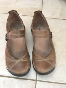 Women's Size 38 Brown Romika Shoes