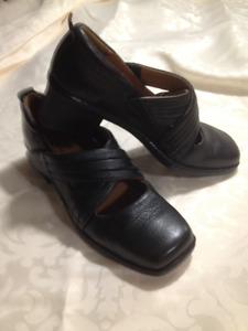 Ladies New Black Josef Seibel Shoes Size 37