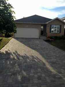 Free Estimates: Full roof Replacement and roof repairs Kitchener / Waterloo Kitchener Area image 3