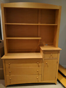 Hutch/changing table