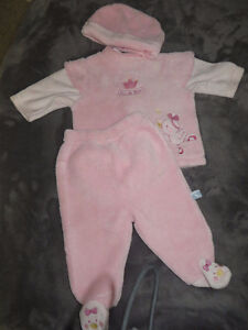 girls size 3-6 months 31 pieces of clothing page one Stratford Kitchener Area image 7