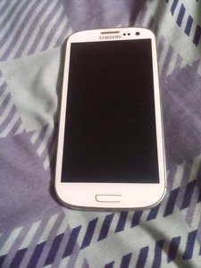 White Samsung Galaxy S3 for Parts