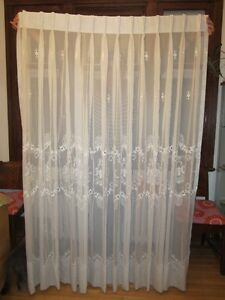Rideaux de voile brode 19830s-40s Embroidered Veil Curtain