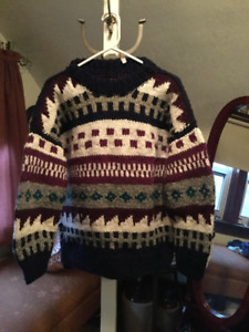Beautiful handknit grey, navy and burgundy wool sweater (A304)