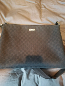 Fs: authentic gucci tote bag