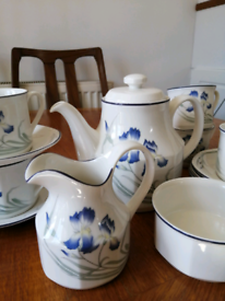 Royal Doulton Minerva Tea Set