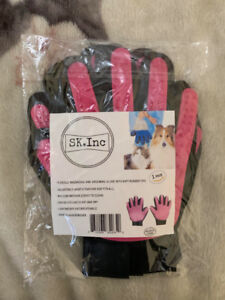 Pet Grooming Gloves (Dogs, Cats): Green and Hot Pink: $ Per Pair