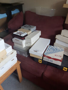 30,000 hockey and baseball cards--1 cent to 10 cents each