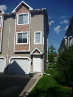 *OPEN HOUSE Sept 6 1-4:00pm* 3 Storey Townhouse in Lakewood