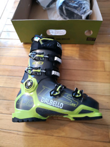 Brand new never worn Dalbello DS AX 100 ski boots 27.5