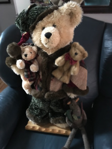 EXTRA LARGE BEAR AND FRIENDS DISPLAY