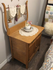 Antique Solid Wood Wash Stand with Harp Back – Best Offer