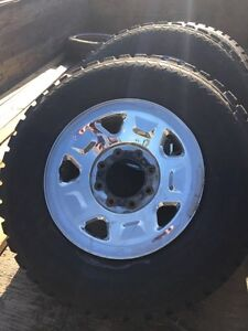 17 inch 8x170 Ford super duty rims and nitro grapplers