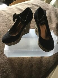 Various Woman's Size 6 Shoes For Sale
