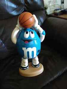 Vintage M & M's blue basketball player