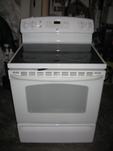 SELF CLEANING G.E. GLASS TOP STOVE