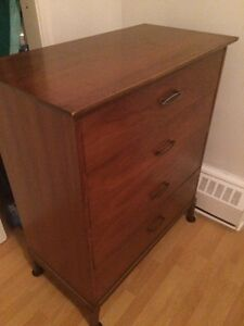 Bureaux 4 tiroir