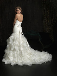 ALLURE WEDDING DRESS FOR SALE - Perfect Condition