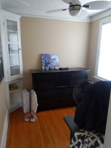 Bright and Clean 1 Bedroom Apt for Rent!!
