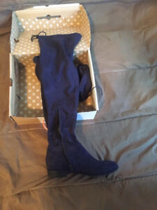 LIKE NEW CALL IT SPRING FLAT KNEE HIGH BOOTS NAVY SUEDE 8.5