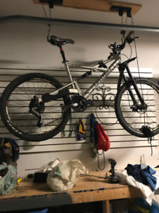 Mountain Bike, full suspension Cannondale For sale