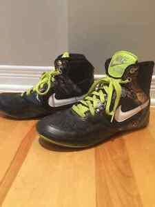 ***Nike Women Shoes Barely Warn***