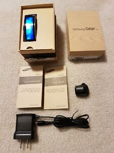 Samsung Gear Fit (NEW)