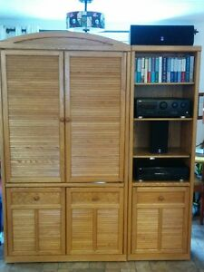 Oak t.v and stereo cabinet unit and stereo equipment