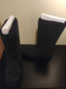 Bottes hautes UGG taille 9